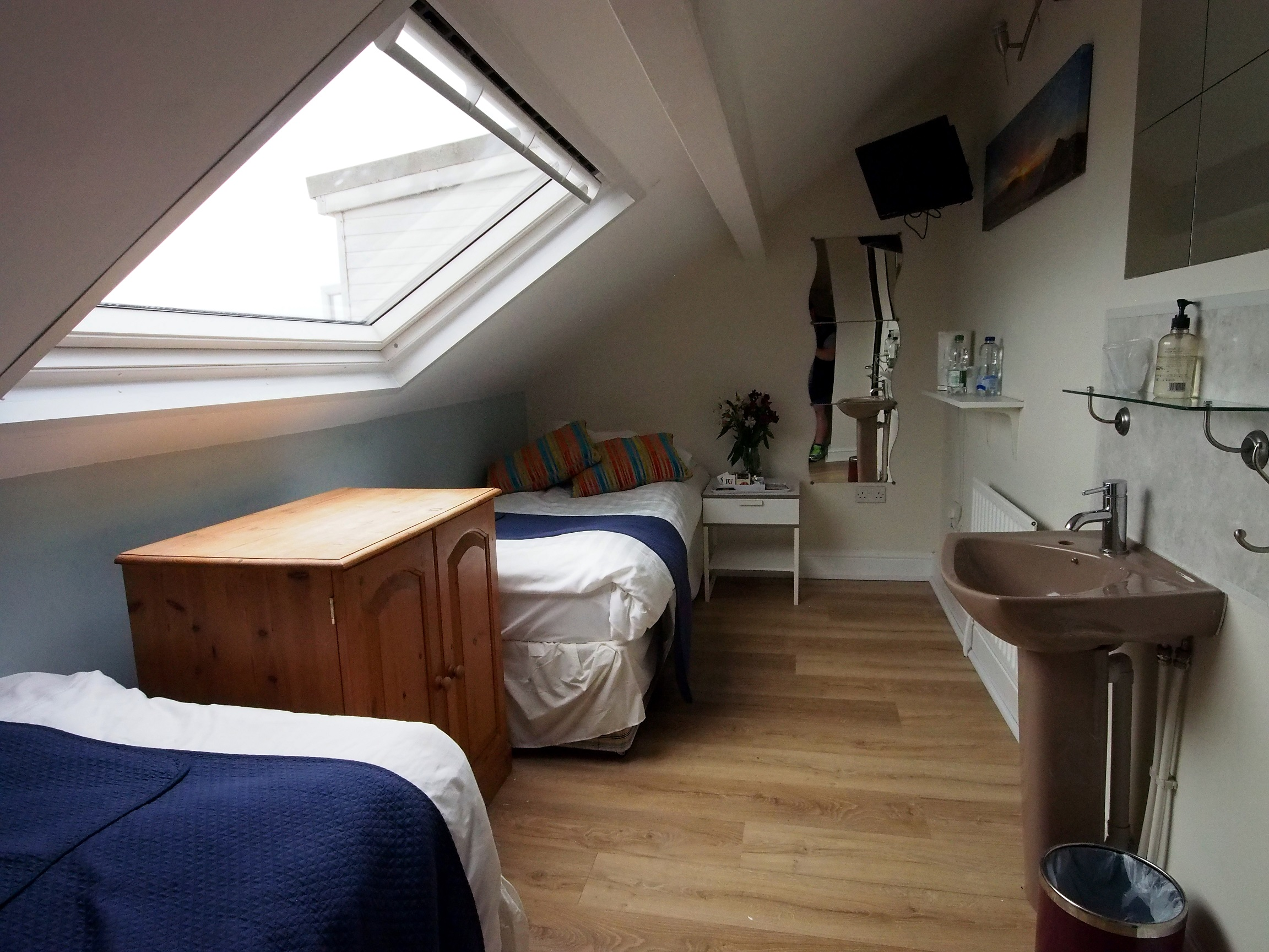 Double twin room B&B Swansea